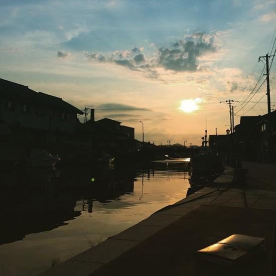 内川と街並