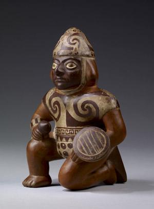 モチェ文化の壷(座る戦士)