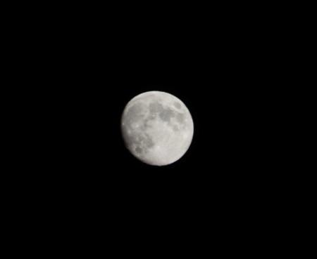中秋の名月(のちょっと前の月)